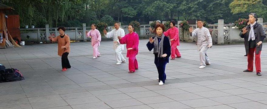 Tai Chi versus mersul alert: care sunt beneficiile pentru sanatate?